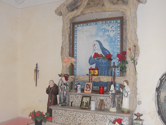 Kapel op wandeling van Procchio naar Marciana Marina op wandelreis naar Italiaans eiland Elba