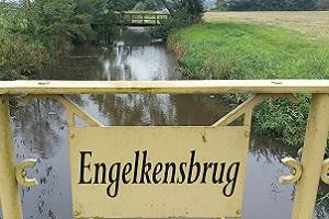 Engelkensbrug tijdens een wandeling over het Westerwoldepad in Groningen