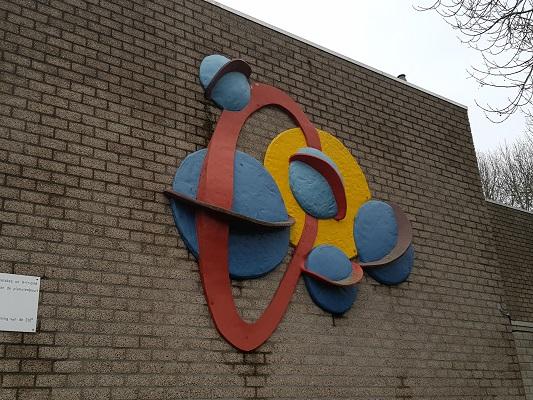 Kunstwerk Object Planeten in Helmond-Noord tijdens een wandeling Ontdek de Kunst van Brabant Vertelt