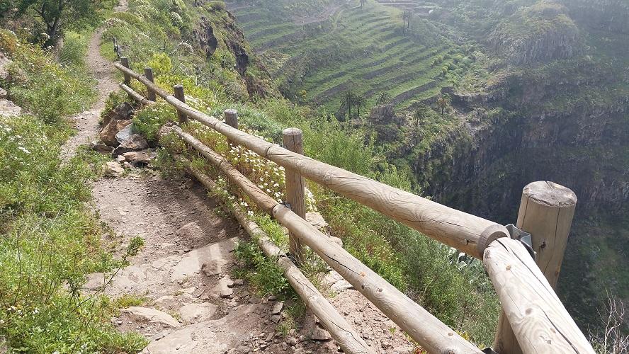 Barranco tussen Las Hayas en El Cercado tijdens wandeling op een wandelvakantie op La Gomera op de Canarische Eilanden