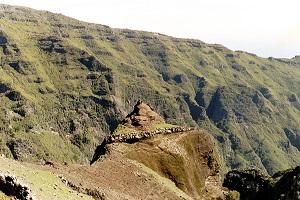 Landschap noord Madeira tijdens wandelvakantie op Portugees bloemeneiland Madeira