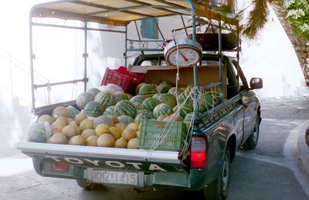 Verkoop meloenen op een wandeling van Milies naar Agios Georgos op Pelion op wandelreis naar Griekenland