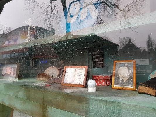 Kunstwerk Monument tegen Zinloos geweld tijdens wandeling Kort rondje Kunst in Tilburg van Brabant Vertelt