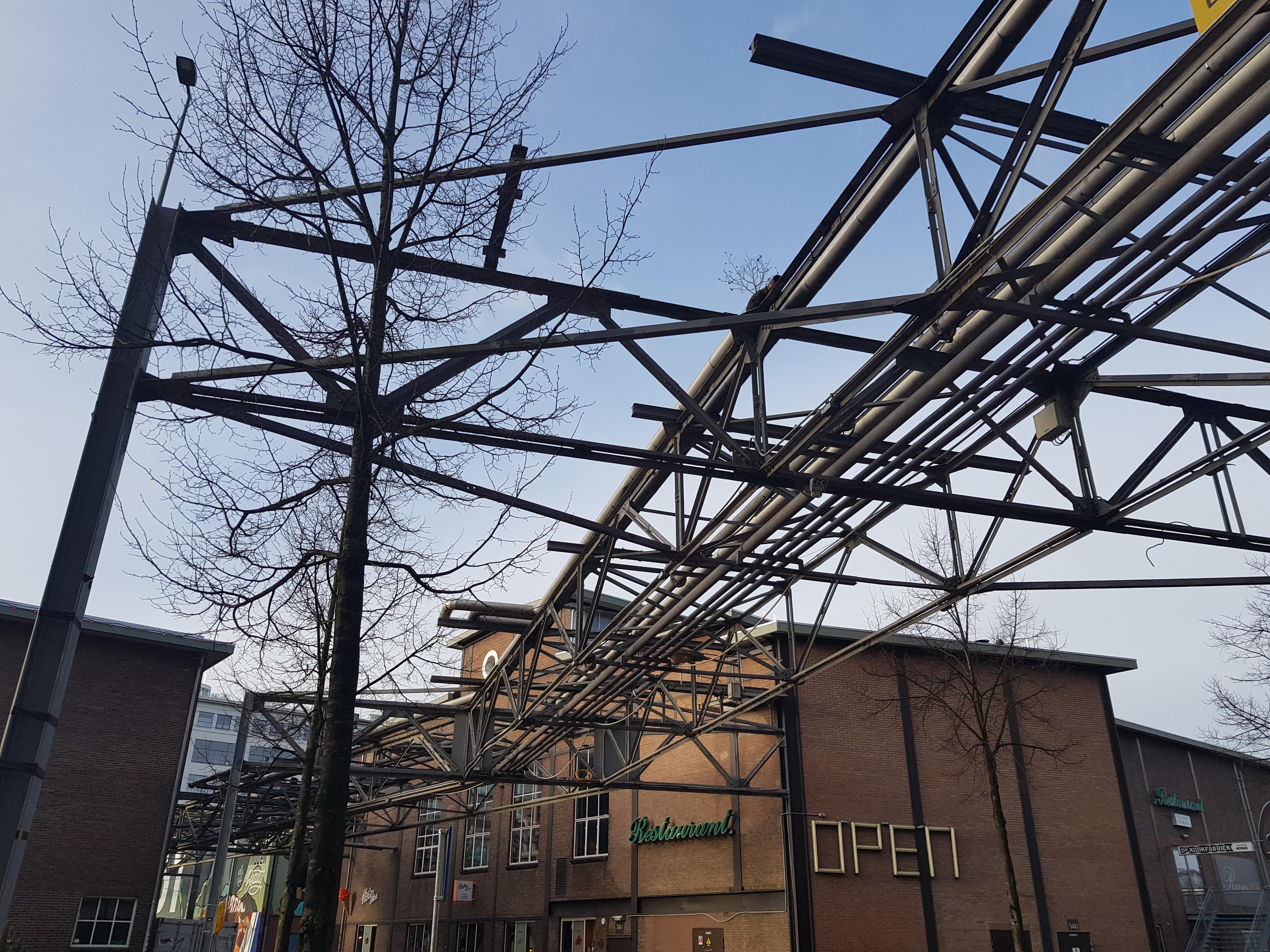 Strijp-S tijdens een wandeling over het Philipspad van Gegarandeerd Onregelmatig in Eindhoven
