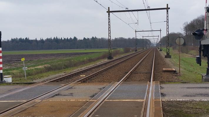 Wandelen over het Westerborkpad van Hooghalen naar Beilen bij spoorlijn Hoogeveen-Meppel