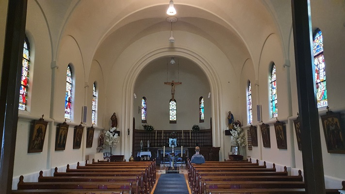 Wandeling op Texel van Cocksdorp naar Oosterend bij de Katholieke Kerk in Cocksdorp