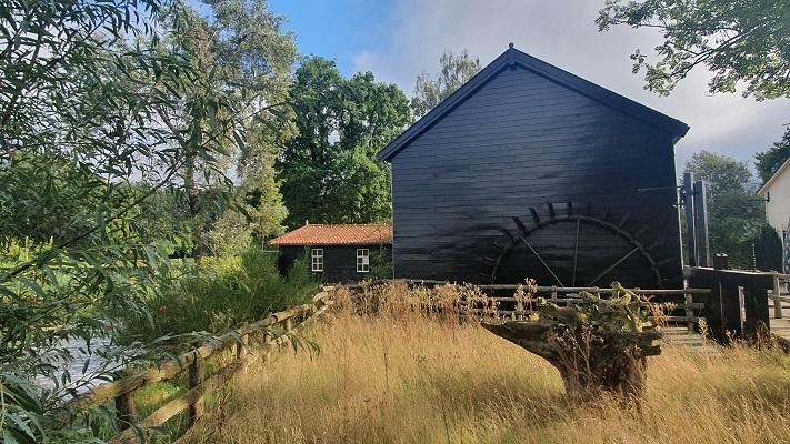 Wandeling over Trage Tocht Borkel bij de Venbergse Watermolen