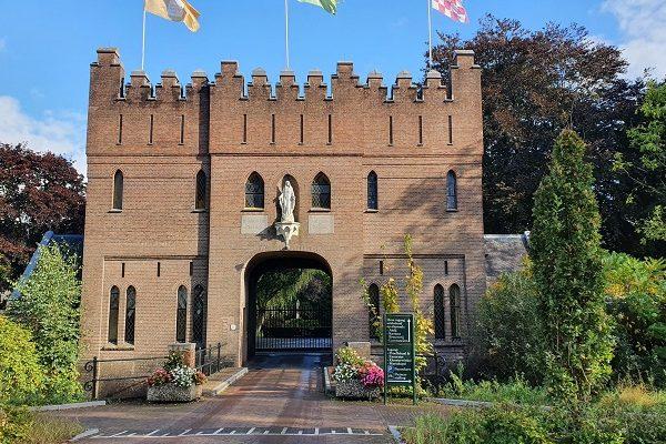 Wandeling over Ons Kloosterpad van Oisterwijk naar de Abdij van Koningshoeven